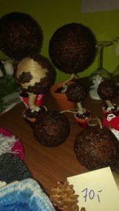 Stromky a koule z kávy